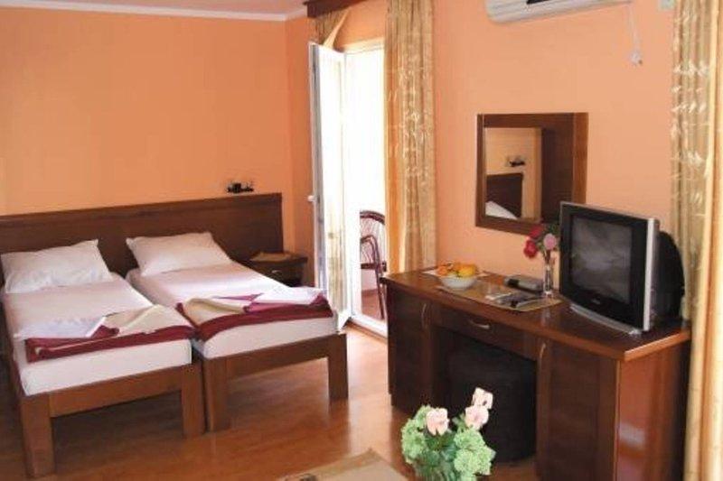 Apartments Oaza 1- Studio 1/4 nr.4, vacation rental in Petrovac