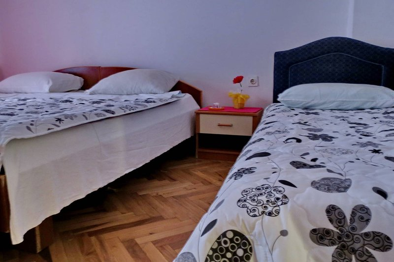Apartments More - app 1/4+1 nr.3, holiday rental in Katun