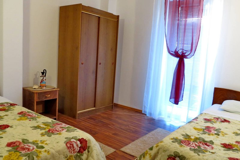 Apartments more - app 1/4 nr.1, holiday rental in Katun