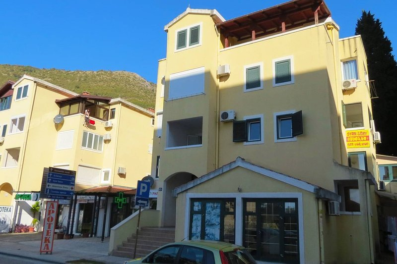 Apartment Zorka, holiday rental in Petrovac