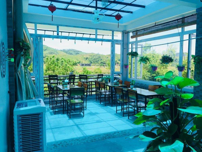 Double Room 1 - Phong Nha BFF Homestay Good Beds + Good Vibes, location de vacances à Phong Nha