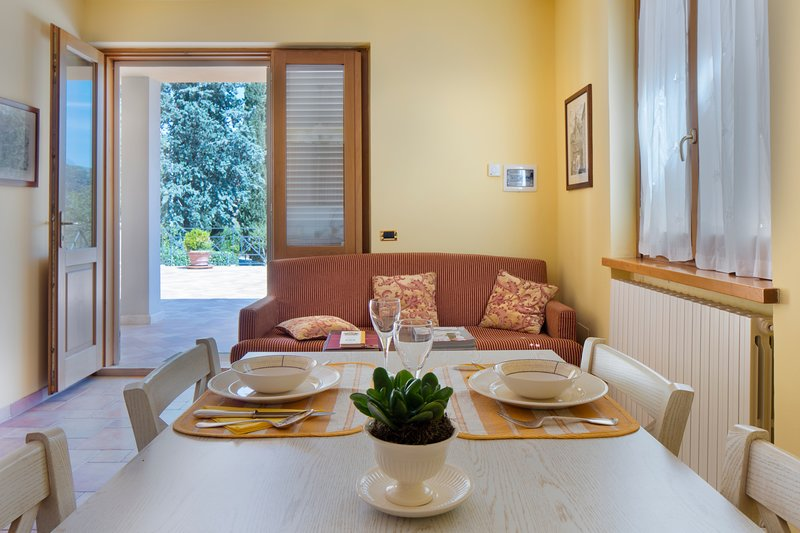 Cozy Apartment in Spoleto. The Yellow Cottage, holiday rental in Spoleto