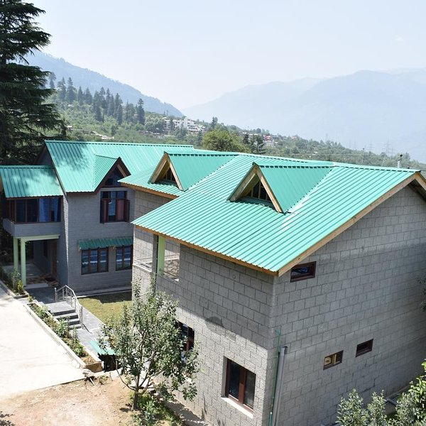 Naggar Heritage cottages - Deluxe Room (2 Adults + 1 Child), holiday rental in Bhuntar