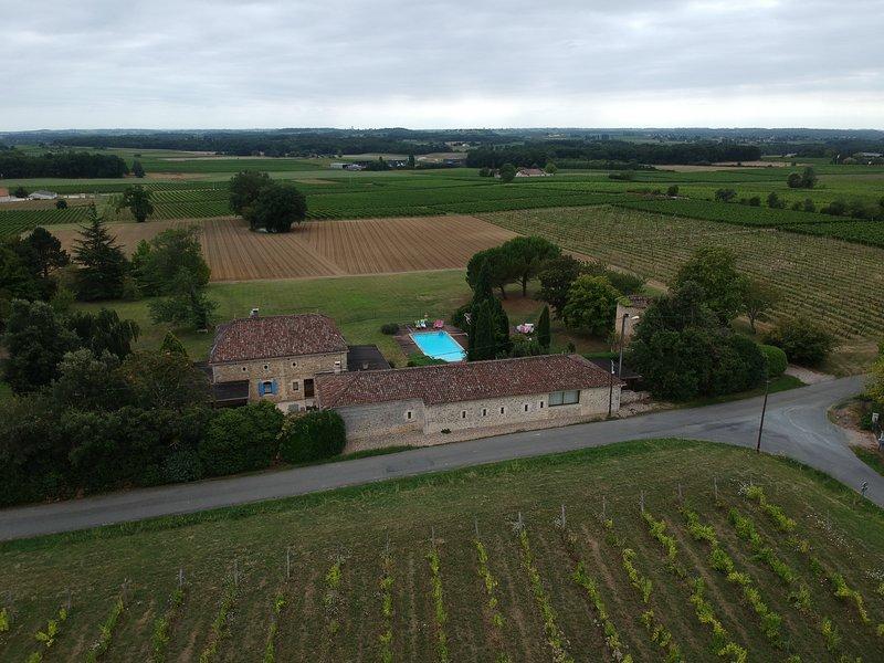Chambres d'Hôtes Pêche de Vigne, holiday rental in Sauveterre-De-Guyenne