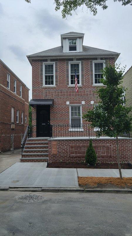 Mejor aspiradora alquiler en NYC. Completamente renovado en 2018. Bronx Villa bastante encanto urbano barrio.