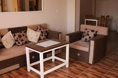 Spacious and bright new apartment, with quality furniture and fully equipped kitchen.