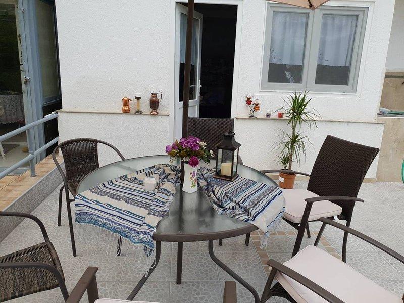 Apartment Svetlana, location de vacances à Aggelochori