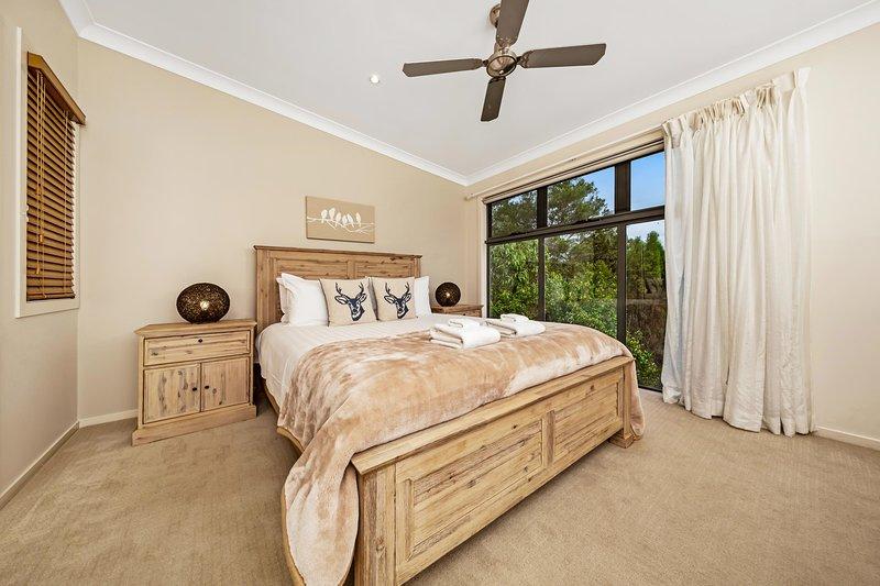 Silverwood Lodge 3 Bedrooms, vacation rental in Lockyer Valley