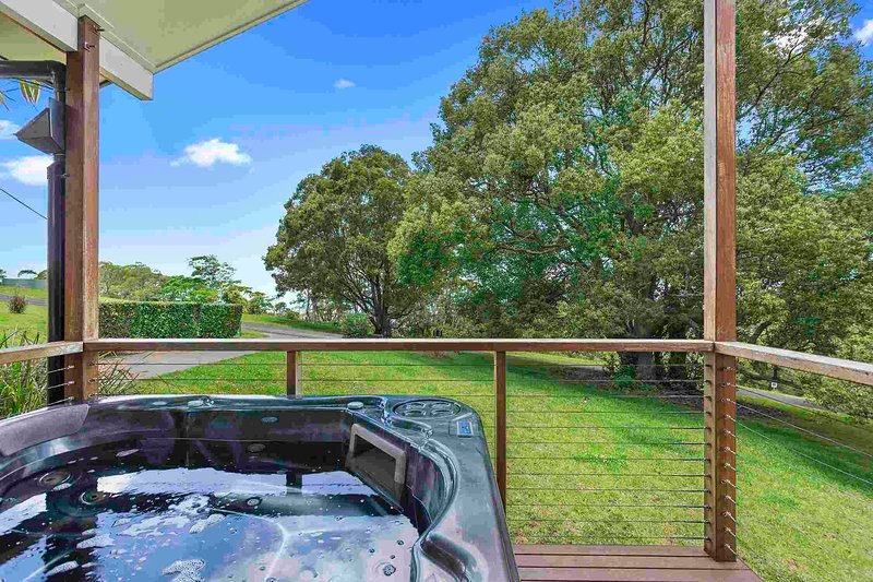 Rose-Alyce Retreat 3 Bedrooms, vacation rental in Lockyer Valley