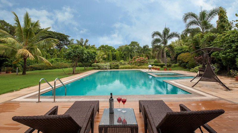 Moksh, vacation rental in Alibaug