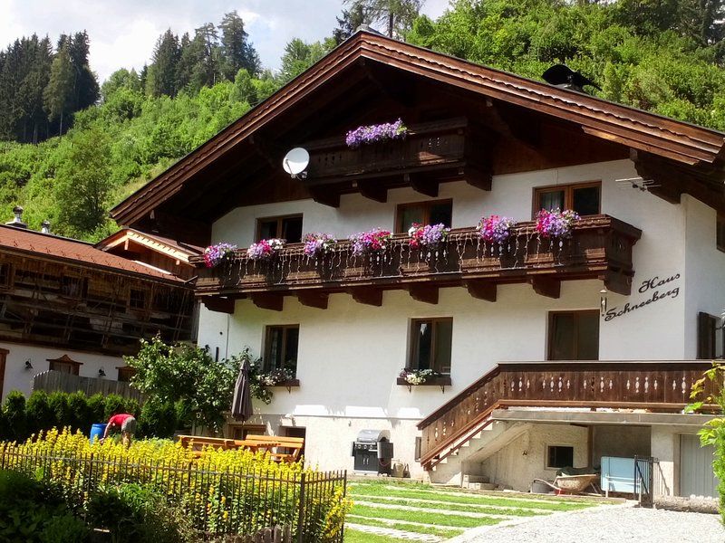 Haus Schneeberg - Aberg, Spacious apartment for 5 people, centre of village, holiday rental in Pfarrwerfen
