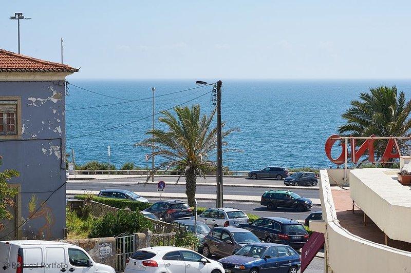 Ocean View II - Wake up to lovely sea views, holiday rental in Sao Domingos de Rana