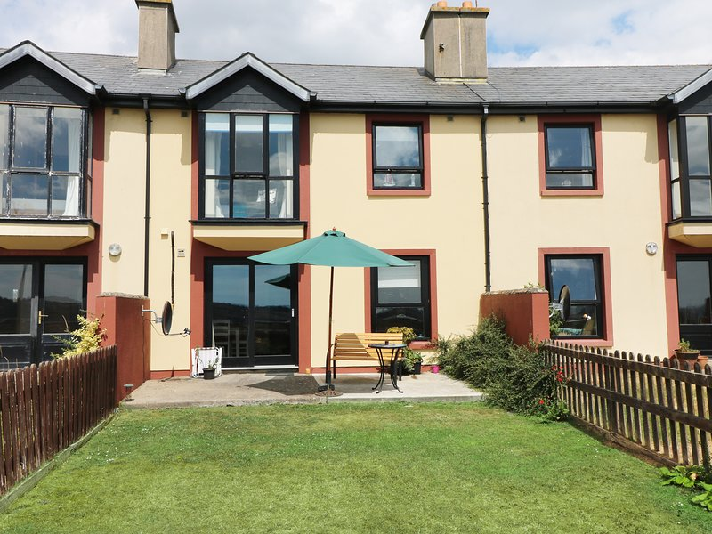 SEA RENITY, pet friendly, overlooking Arthurstown bay, ref: 987944, holiday rental in Templetown