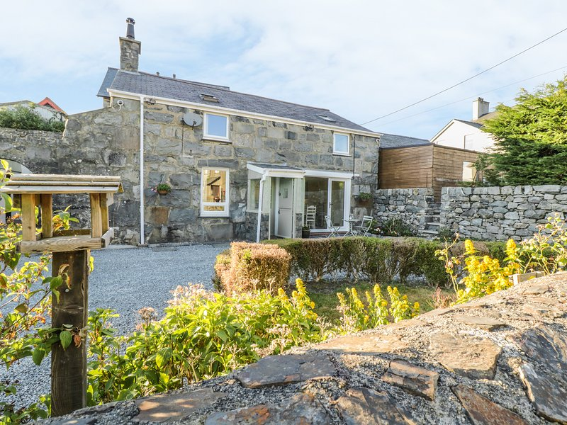 Y CILGWYN, traditional and modern cottage, Trawsfynydd, vacation rental in Gellilydan