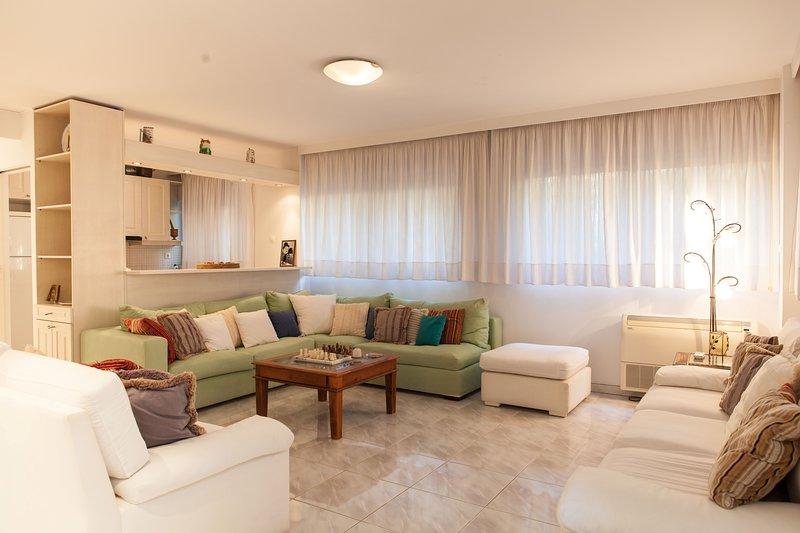 Exotic Apartment at Marikes Beach, vacation rental in Rafina