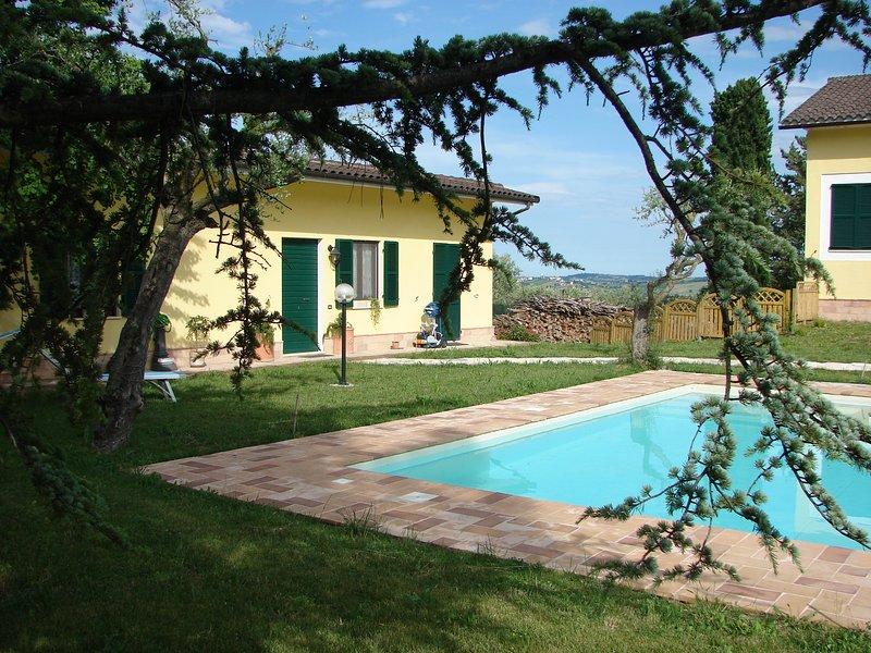 Villa per 4 persone con piscina privata, location de vacances à Francavilla d'Ete