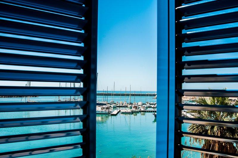 Balkon tweepersoonskamer zeezicht airconditioning