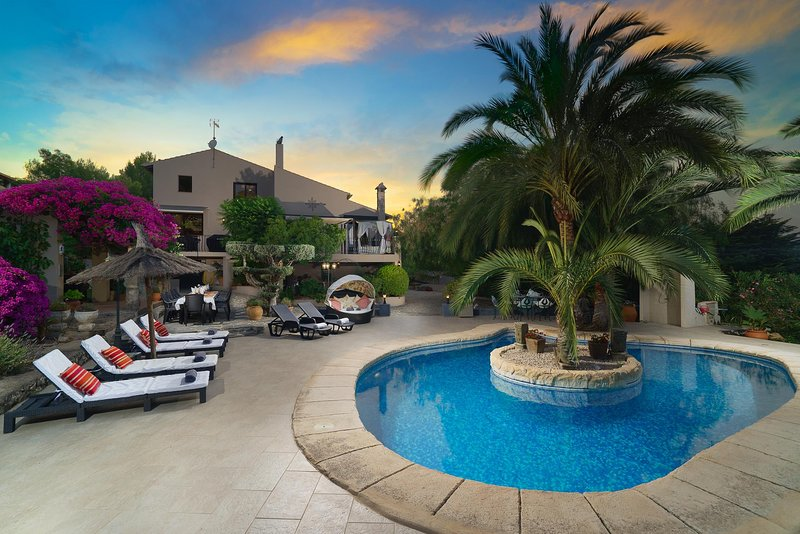 Encantada, vacation rental in Sagra