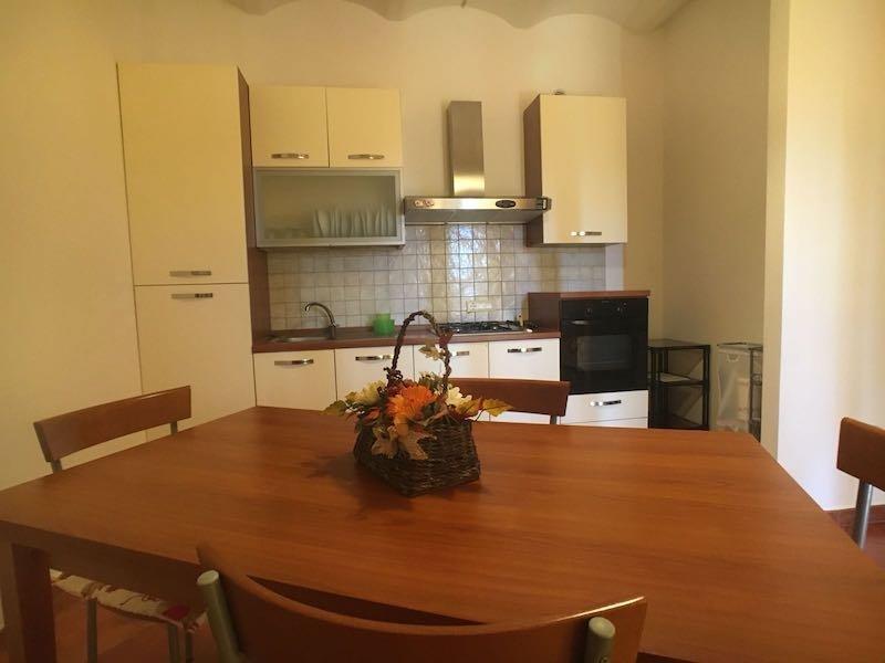 Bilocale In Campagna Con Giardino E Posto Auto - rif.giovanna, holiday rental in Venturina Terme