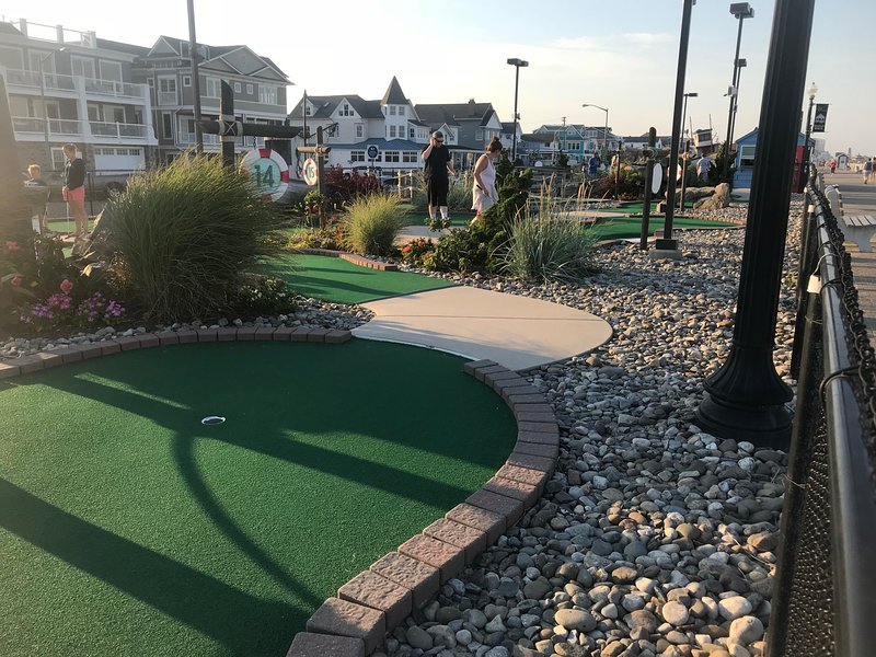 mini golf across the street on boardwalk