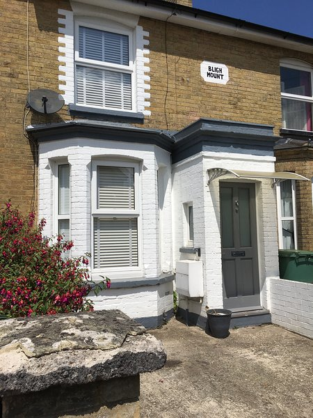 Beautiful Victorian Home in the heart of Cowes, vakantiewoning in Cowes