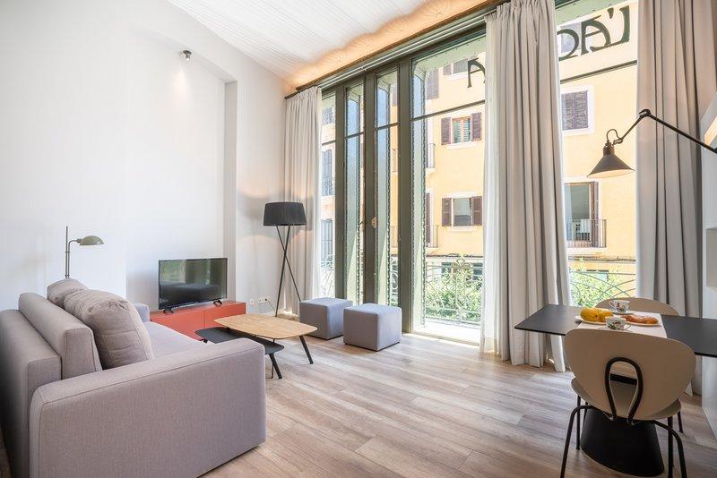 L´Aguila Suites Bennassar, location de vacances à Ciudad Jardin