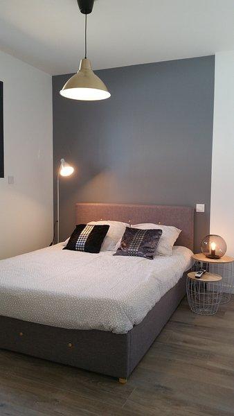 Dépendance dans maison neuve (clim), aluguéis de temporada em Nezignan-l'Eveque
