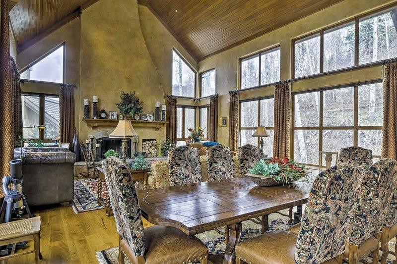 Verwöhnen Sie sich mit einem luxuriösen Bergurlaub in diesem Ferienhaus in Beaver Creek!