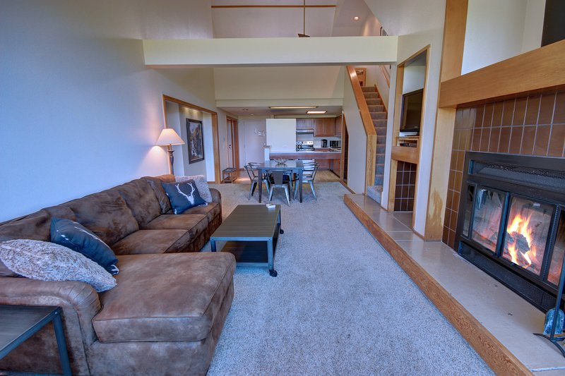 Pines 1 bedroom loft condo is great for your family vacation.