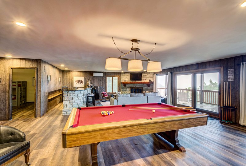 You'll have superb amenities during your stay including a pool table.
