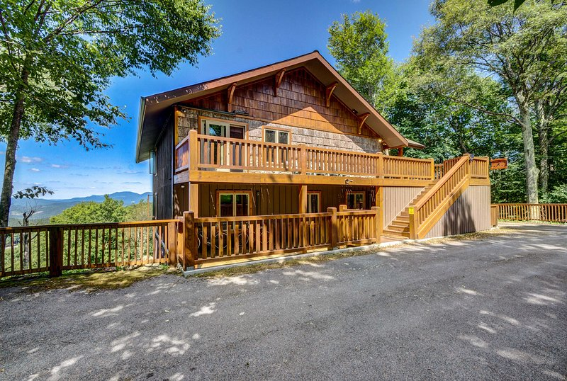 Book your forever home-away-from-home in Beech Mountain.