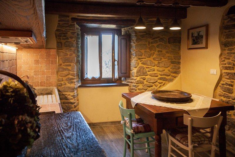 Casa de vacaciones en estilo toscano rústico, acogedor para 4 personas, jardín, barbacoa e hidromasaje