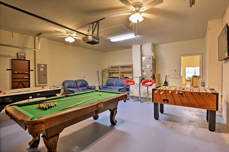 Unwind in the top-notch game room with your crew of 8!