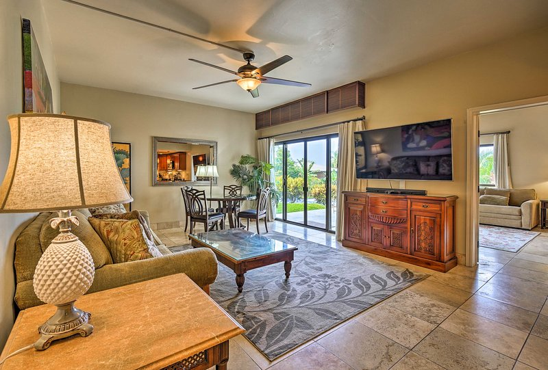 This 4-person Kailua-Kona condo is a part of the Royal Sea Cliff community.