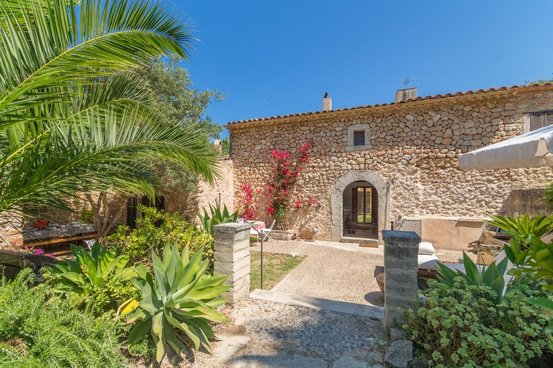 Sa Tafona, House 5StarsHome Mallorca, vacation rental in Campanet