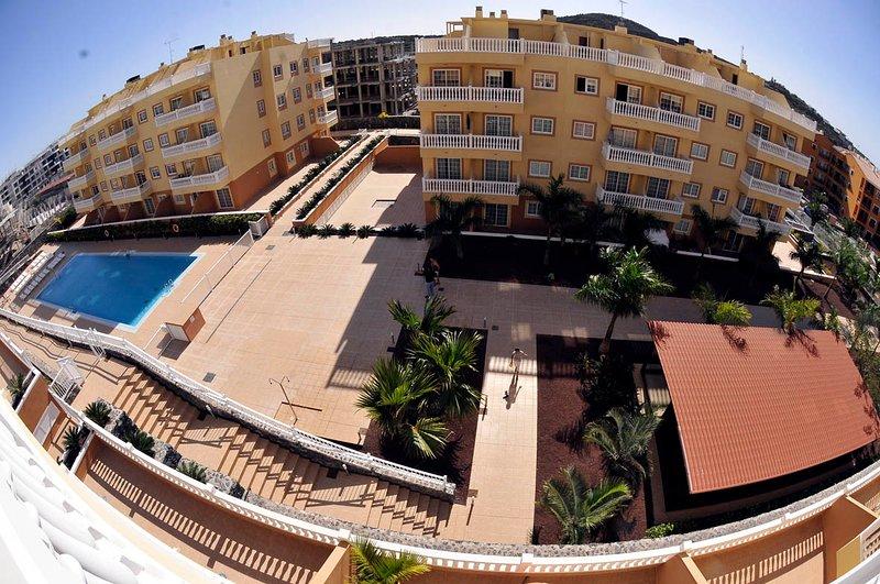 Precioso apartamento en Tenerife sur, Piscina, Wifi, parking, location de vacances à Palm-Mar