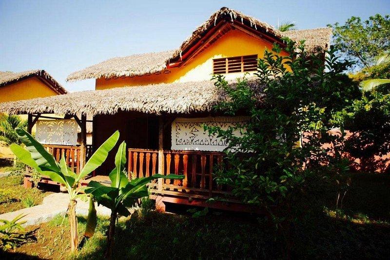 vue extérieure sur petite maison