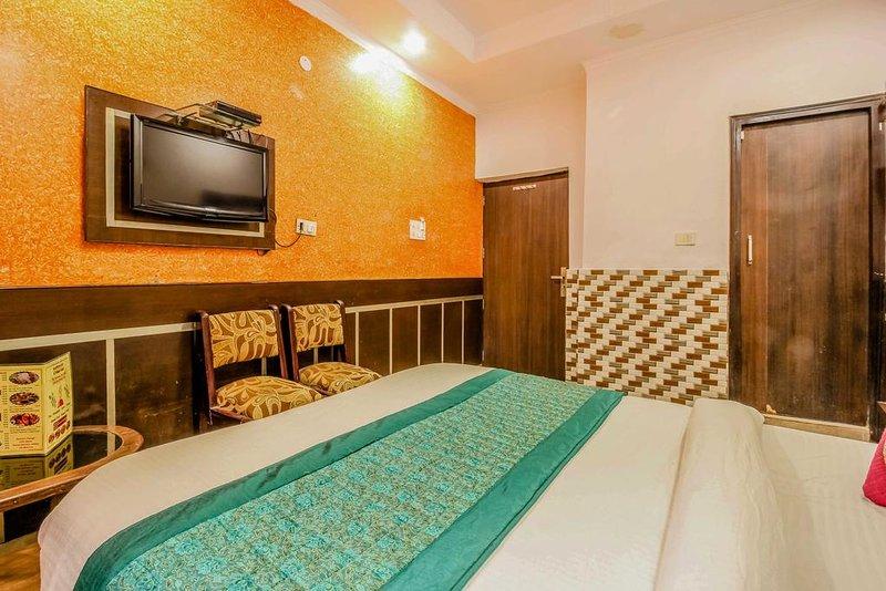 Hotel Glow Inn - Deluxe Double Room 2, location de vacances à New Delhi