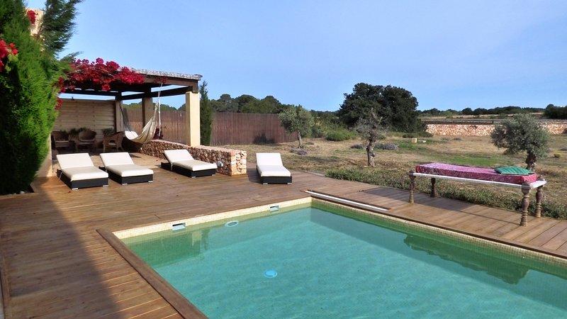 Big villa with swimming-pool & Wifi, location de vacances à Es Cap de Barbaria