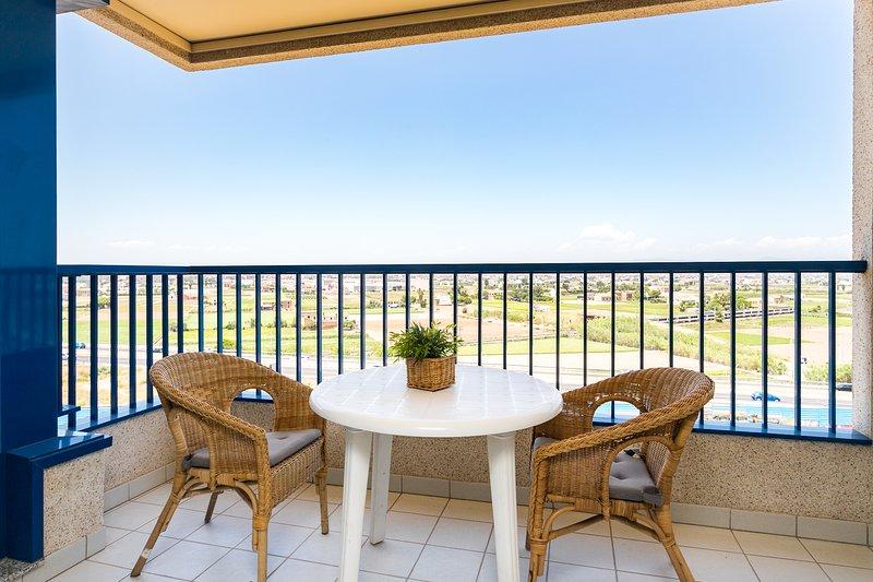Terraza con una vista espectacular a la huerta de Alboraya.  Terrace with a spectacular view of the