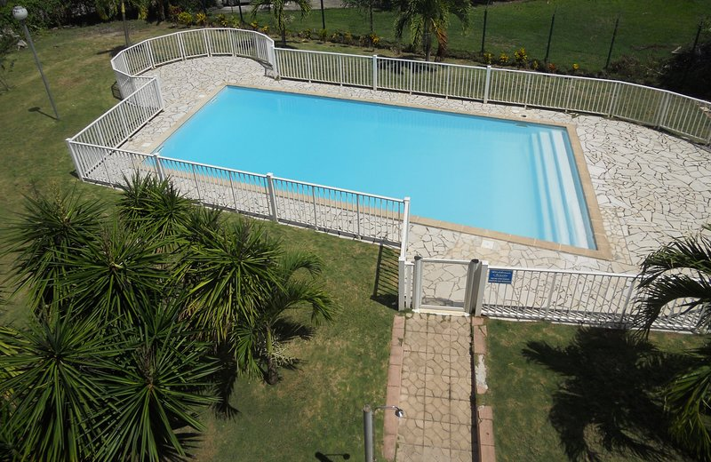 Beautiful studio with pool access, holiday rental in La Pagerie