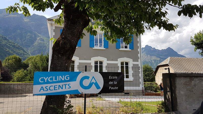 Cycling Ascents, Ecole de La Paute, Telegraphe Apartment, vacation rental in Le Bourg-d'Oisans
