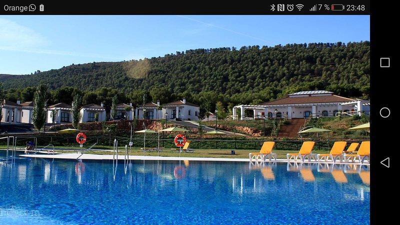 La Sierrecilla swimming pool