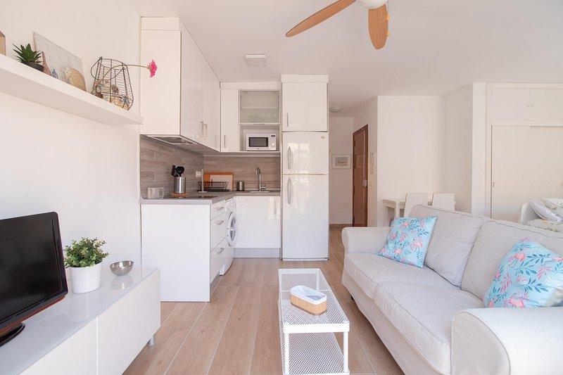Homey East Seaside Studio (C82), holiday rental in Cala Del Moral