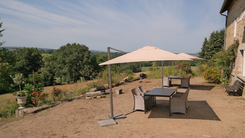 Ruime kamer in natuurpark, holiday rental in Masleon