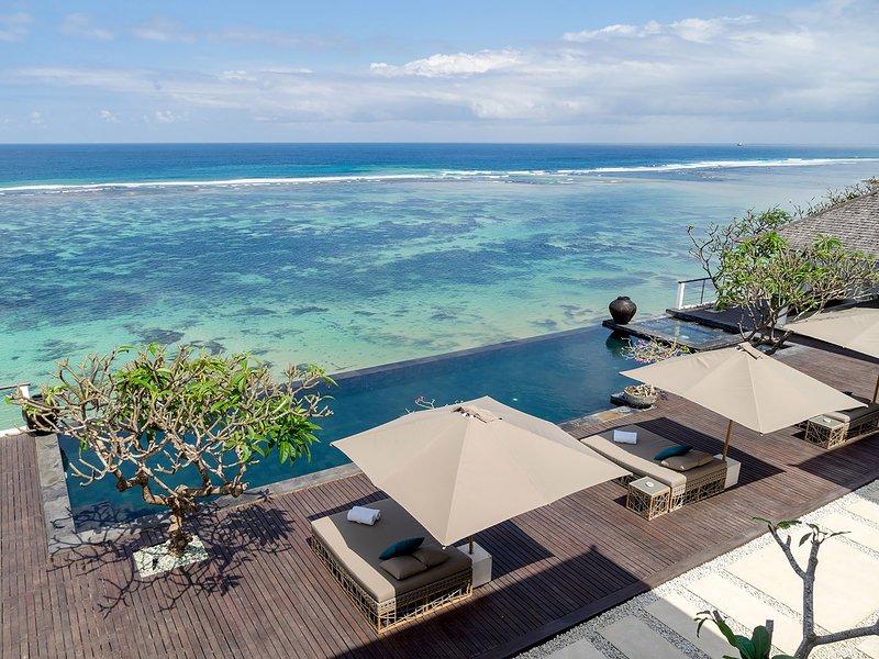 Grand Cliff Nusa Dua, 5BR, Nusa Dua, aluguéis de temporada em Kutuh