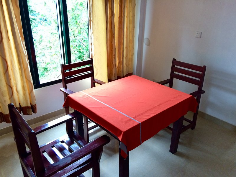 Studio Apartment Private Room Economical, holiday rental in Illukkumbura