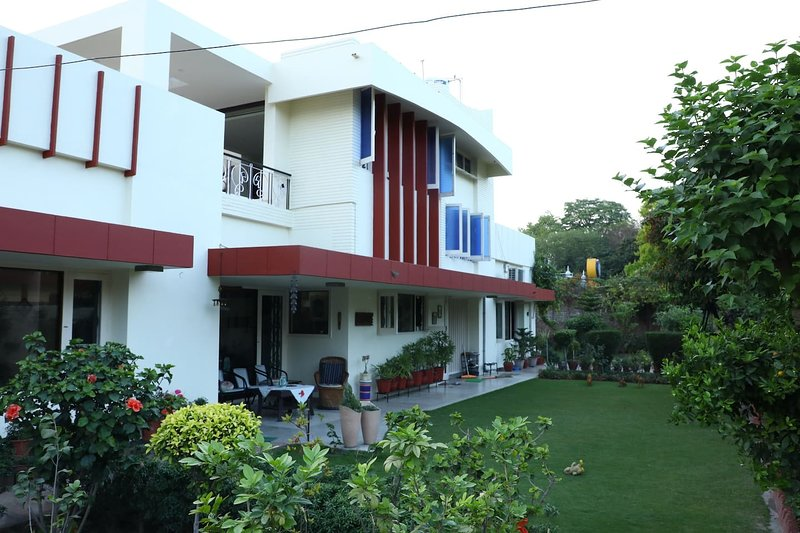 Boutique BnB : Morning Glory Room (Free Wifi, Breakfast, AC and No Cleaning Fee), holiday rental in Punjab
