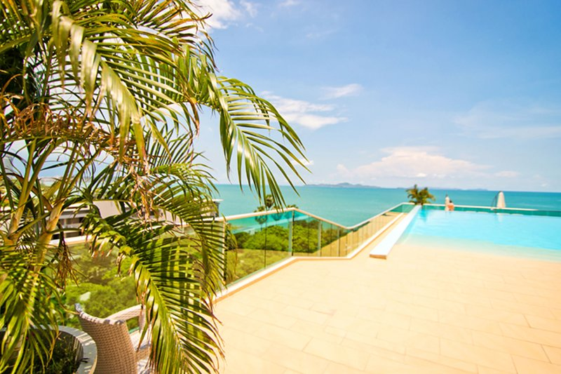 Laguna Heights 7 Dream Apartment at Beachfront, holiday rental in Pattaya