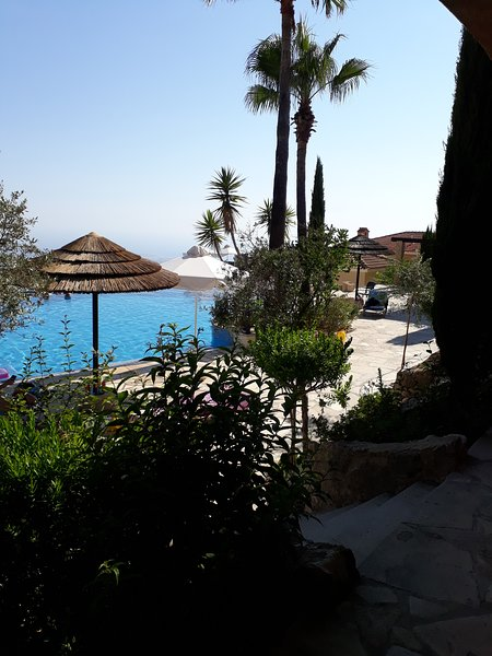 TWO BED APARTMENT FACING THE SWIMMING POOL - TSADA, vacation rental in Episkopi